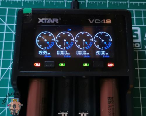Xtar VC4S töltés közben