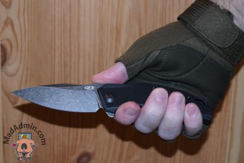 ZT 0357 BW kézben