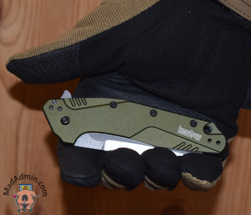 Kershaw Dividend Composite kézben