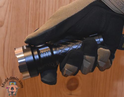 Astrolux EC03 kézben