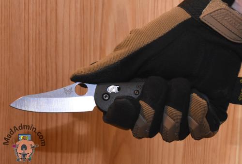 Benchmade Mini Griptilian kézben