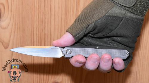 Real Steel G5 Metamorph Compact kézben